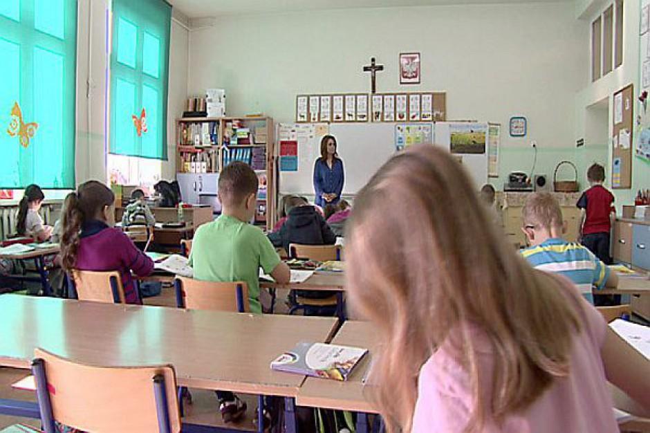 ZNP: Zmiany w KN to sprzedanie nauczycieli