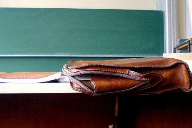 Przekwalifikują bezrobotnych nauczycieli