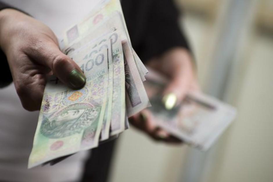 Nowa reguła wydatkowa wraca do komisji