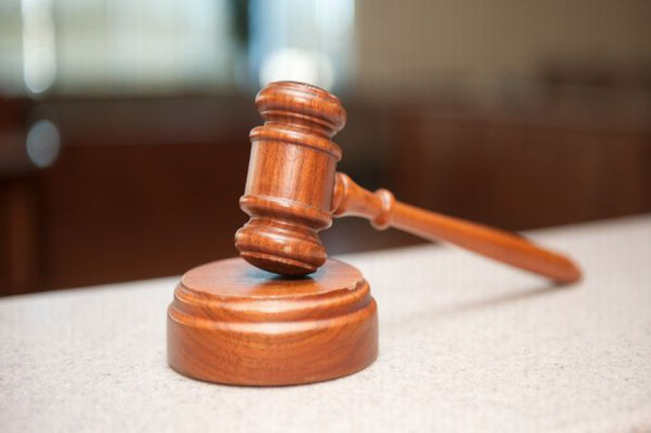 Sądy nie zgadzają się ws. odwołania dyrektora