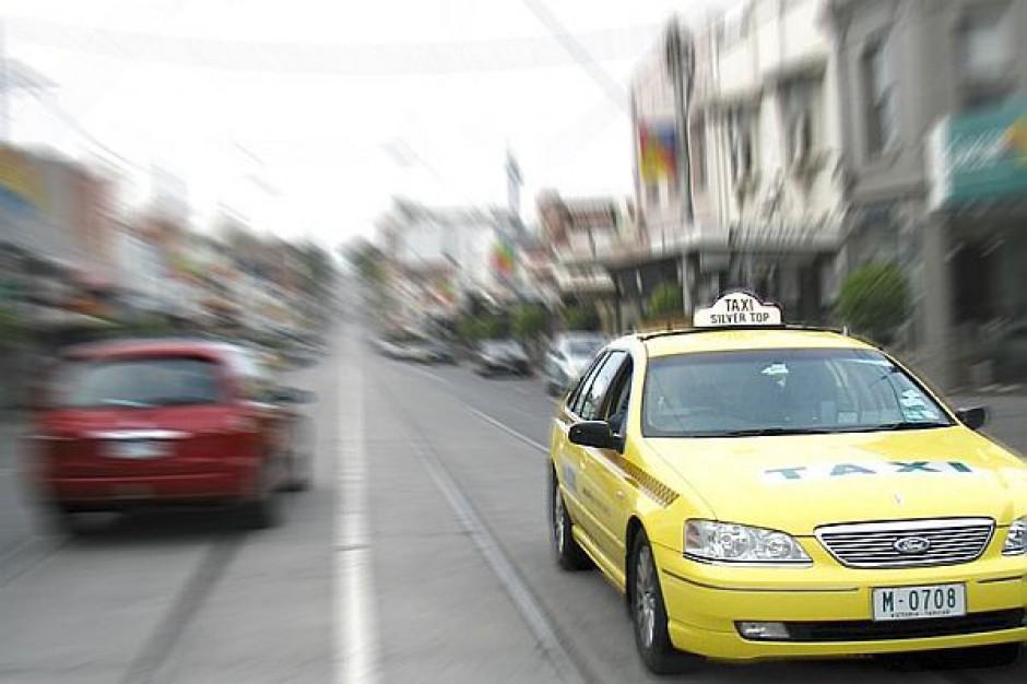 Taksówkarze nadal będą musieli zdawać egzamin
