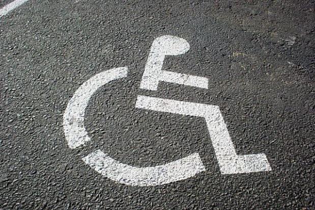 Gminy dostosują dworce do niepełnosprawnych