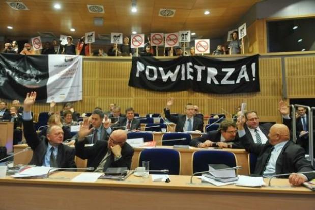 W Krakowie węglem nie napalą
