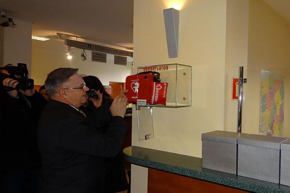 Urząd Miasta ma własny defibrylator