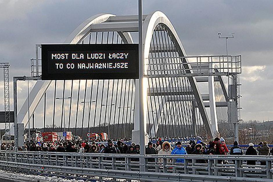 Most przez Wisłę w Toruniu gotowy