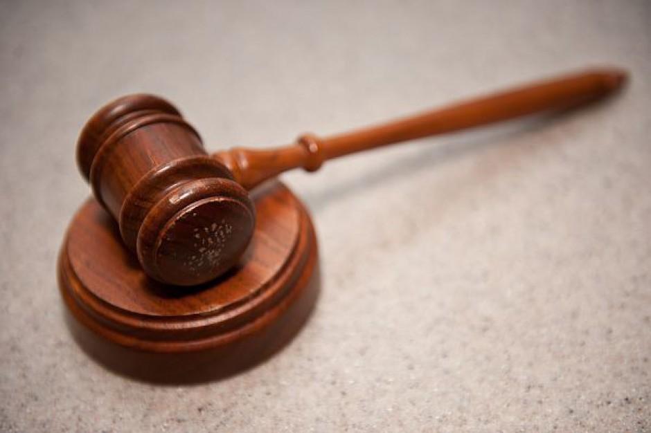 Sprawa urzędniczki oskarżonej o łapownictwo wraca do sądu