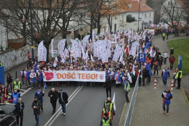 ZNP zawiesza akcję protestacyjną