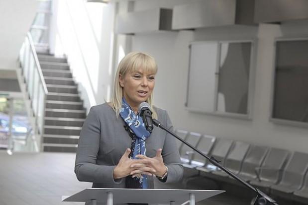 Premier przeprasza za słowa Bieńkowskiej dot. opóźnień pociągów
