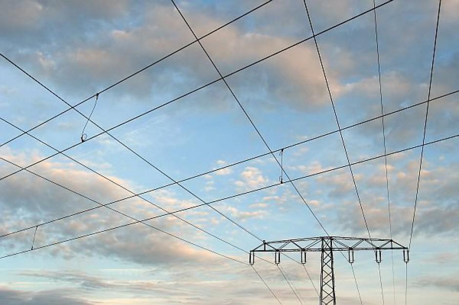12,8 tys. odbiorców bez prądu. Sytuacja się poprawia