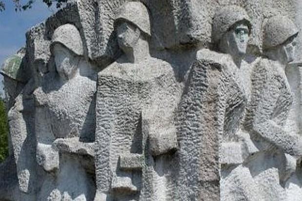 Radni zdecydują o rozbiórce pomnika gen. Czerniachowskiego w Pieniężnie