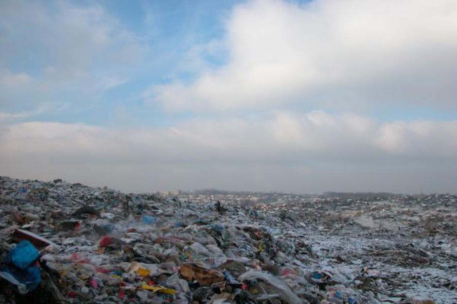 Do gmin trafi więcej pieniędzy za składowanie śmieci