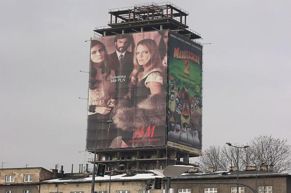 Gminy zarobią na reklamach z budynków