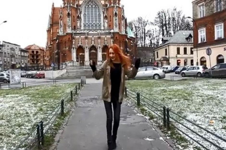 Tak polskie miasta tańczą do wielkiego hitu. Ciągle ich przybywa...