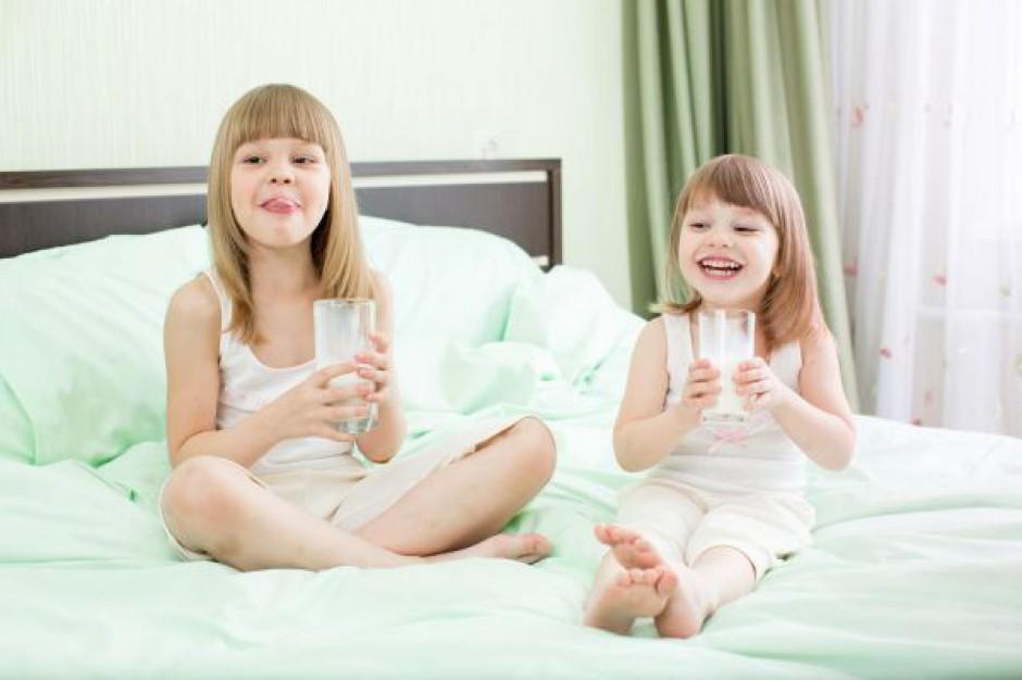 PiS i SLD krytykują rząd ws. dożywiania dzieci