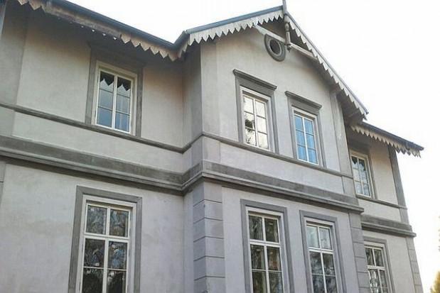 Zabytkowy dworek w Kłóbce został odbudowany