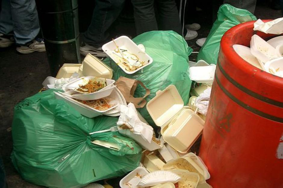 Wyłudzają opłaty za śmieci w Wałbrzychu
