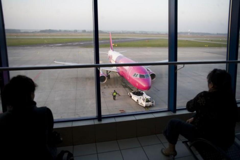 Samorządy chcą nowych lotnisk; eksperci: wystarczy tych, które już są