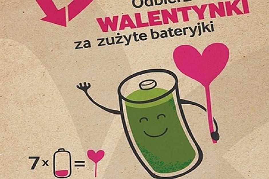 Walentynkowa akcja miast: lizaki za zużyte baterie