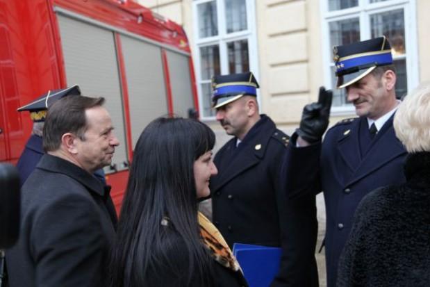 Podkarpackie kupuje sprzęt dla strażaków