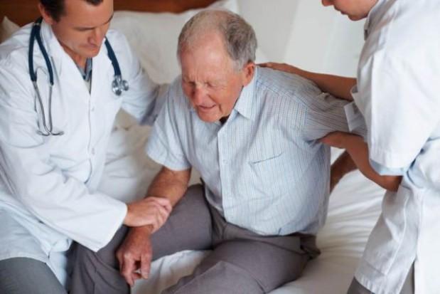 Seniorzy domagają się od władz powiatu utworzenia hospicjum