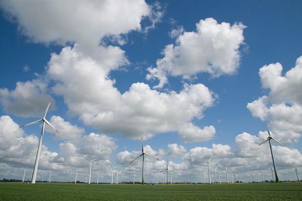 Gmina nie może decydować o odległości stawiania wiatraków
