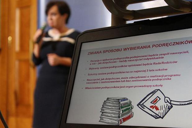 Ustawy ws. bezpłatnego podręcznika trafi do podpisu prezydenta