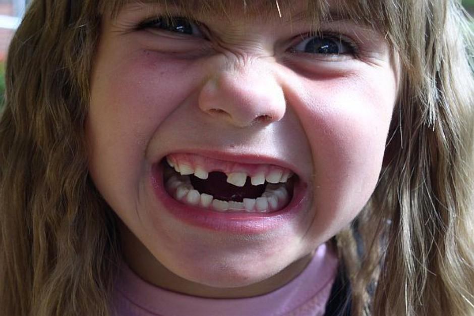 W przedszkolach należy stwarzać warunki do mycia zębów