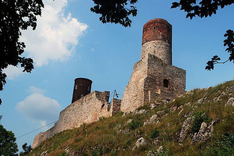 Remont baszty zamku w Chęcinach dobiega końca