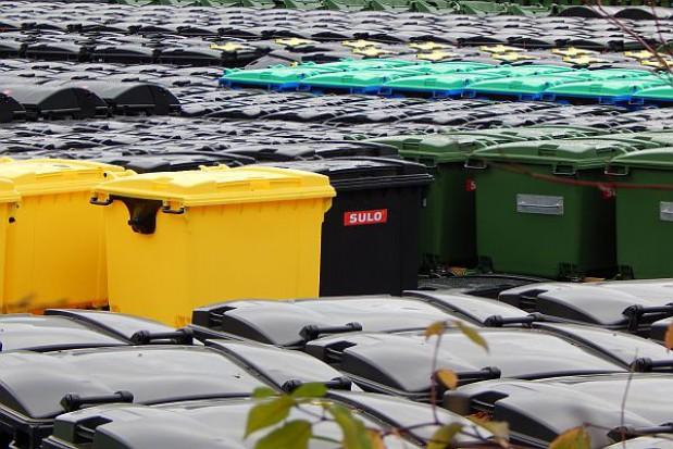 Gminy nie będą musiały przeprowadzać przetargów na śmieci - ministerstwo szykuje zmiany