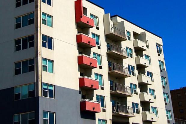 Rośnie zadłużenie najemców mieszkań w Elblągu