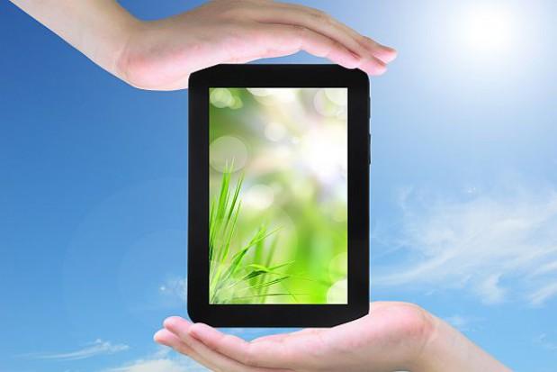 MEN: prace nad e-podręcznikiem nie są zagrożone