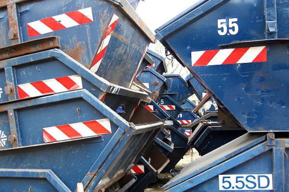 Władze Torunia obniżyły opłaty za odbiór śmieci