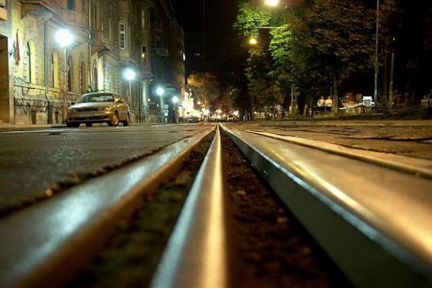 Po wykolejeniu tramwaju utrudnienia w Warszawie