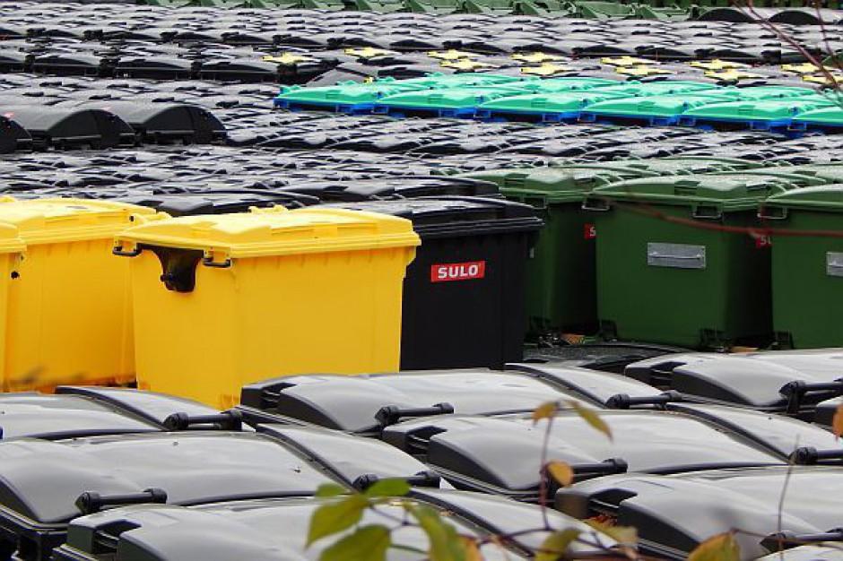 Stawki opłat za gospodarowanie odpadami ustalane są w sposób właściwy