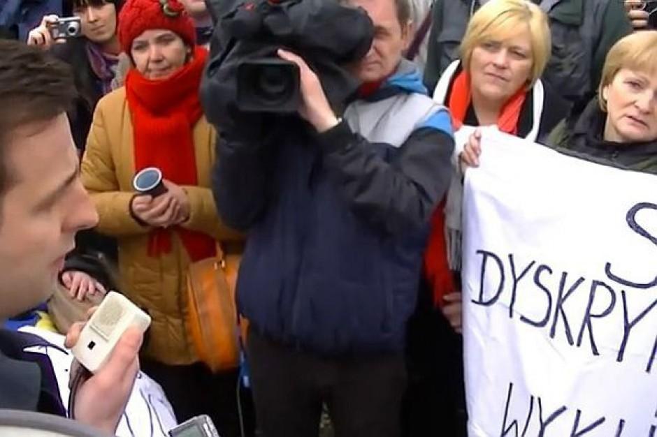 Rodzice niepełnosprawnych dzieci zawieszają protest