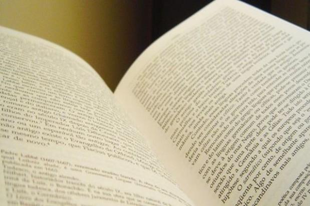 MEN nie chce informować o kosztach darmowego podręcznika