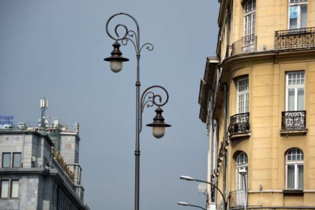 Nowoczesne i starodawne latarnie oświetlą Warszawę