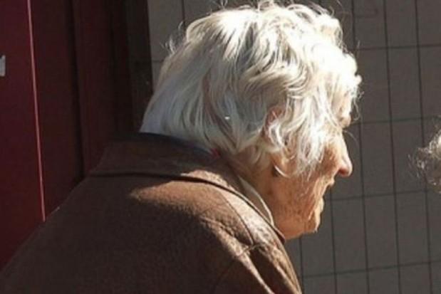 Seniorzy oddadzą gminom swoje domy w zamian za opiekę