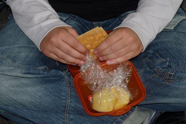 Prawie połowa uczniów idzie do szkoły bez śniadania