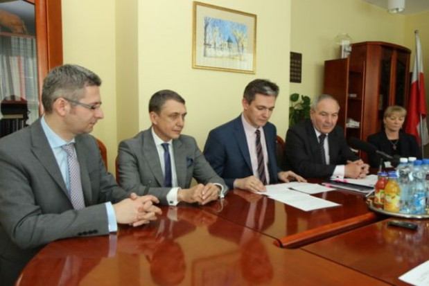 Świętokrzyskie: 51,5 mln zł na drogi w regionie