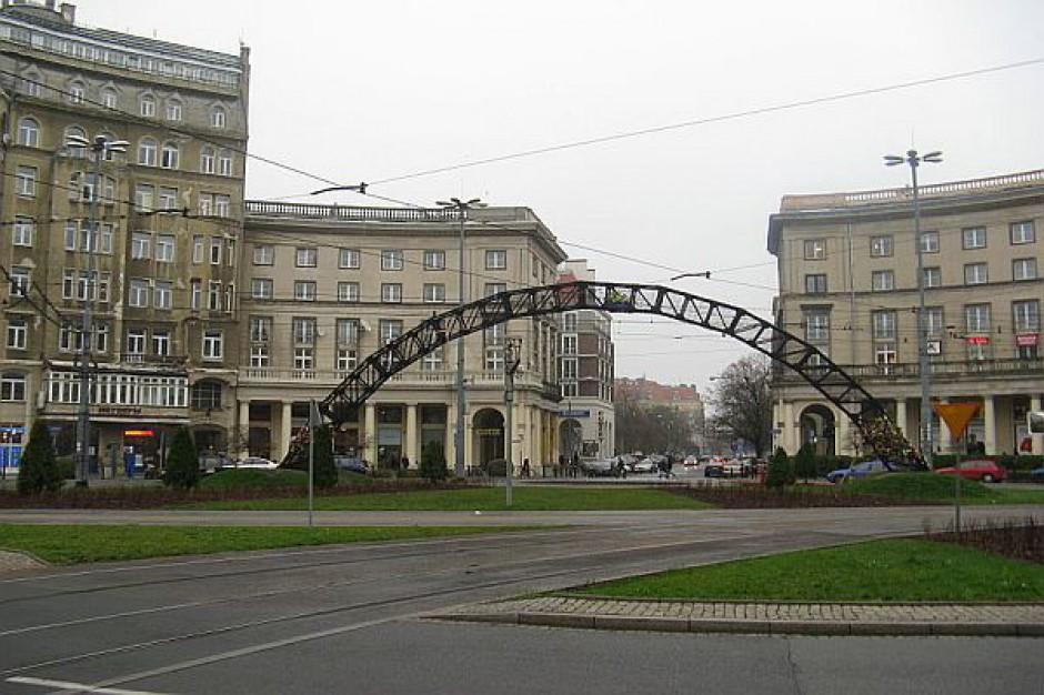 """""""Tęcza"""" na pl. Zbawiciela w Warszawie będzie gotowa na 1 maja"""