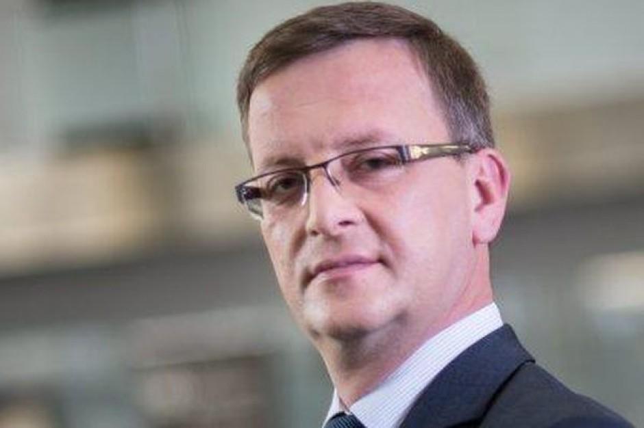 Kacprzyk: Przyznajemy kredyty, nie interesują nas polityczne tarcia wsamorządach