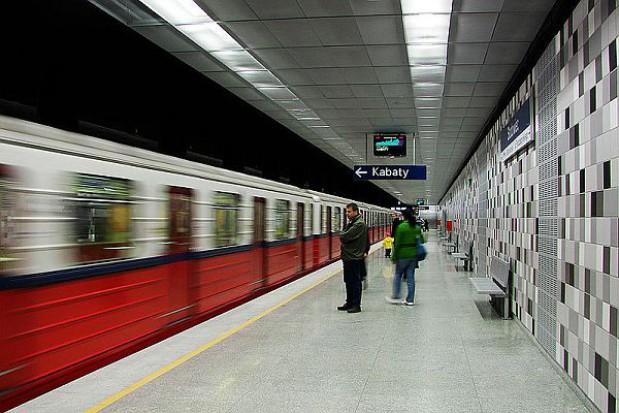 Metro warszawskie znów zaczęło działać