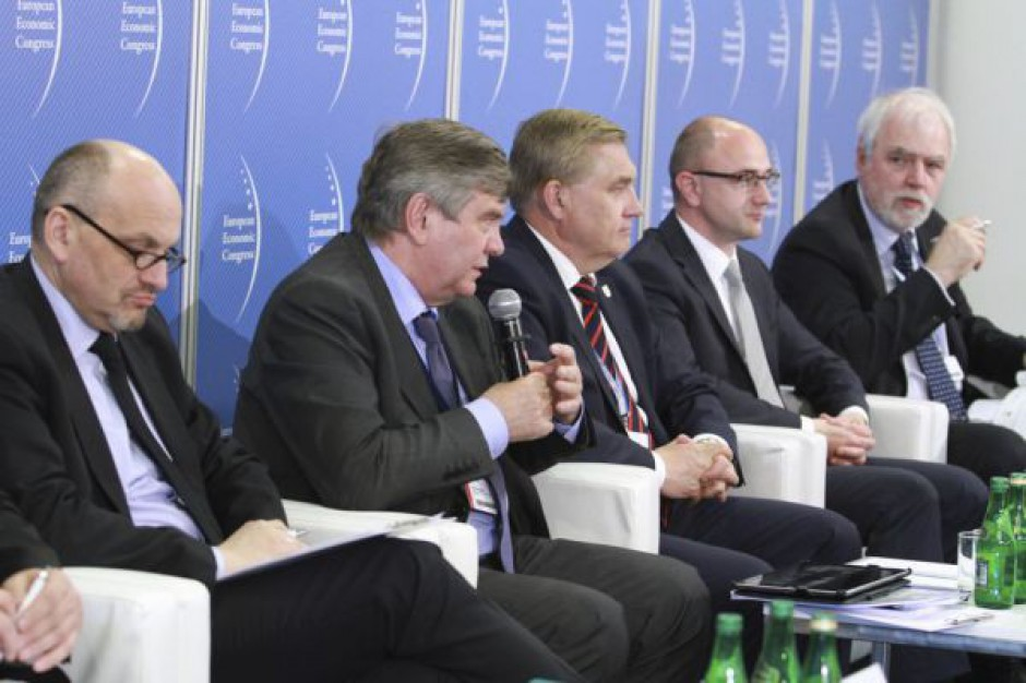 EEC: Samorządy nie mogą zacząć inwestycji zbyt wcześnie