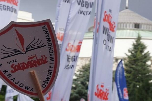 """Oświatowa """"S"""" wzywa minister edukacji do rozmów i grozi akcją protestacyjną"""