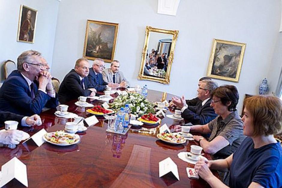 Prezydent namawia przedsiębiorców do poparcia Kart Dużej Rodziny