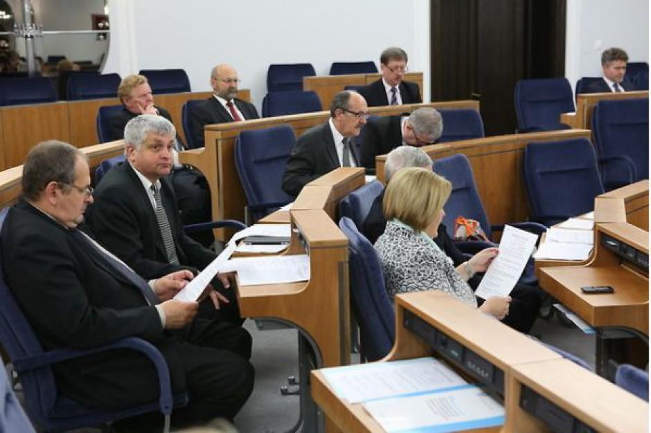 Senatorowie za obniżeniem progów ostrożnościowych