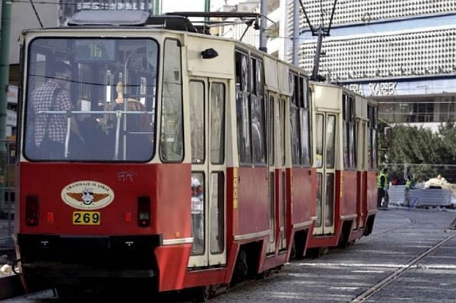 W mieście samochód nie ma szans z tramwajem