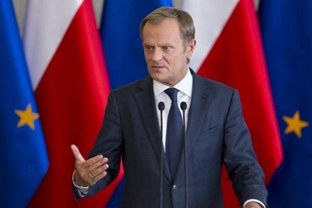 Tusk: Nie dotujemy żadnych regionalnych lotnisk pod stołem