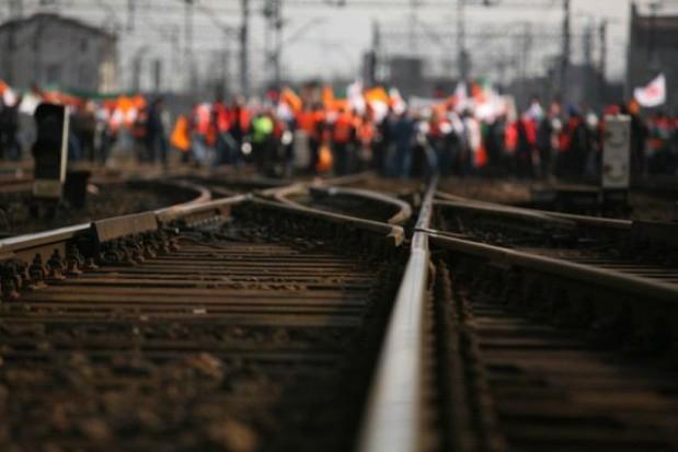 Związkowcy nie chcą centralizacji kolejowych spółek